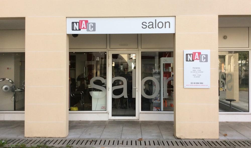 se faire coiffer au salon nantes acad mie coiffure nantes academie coiffure. Black Bedroom Furniture Sets. Home Design Ideas