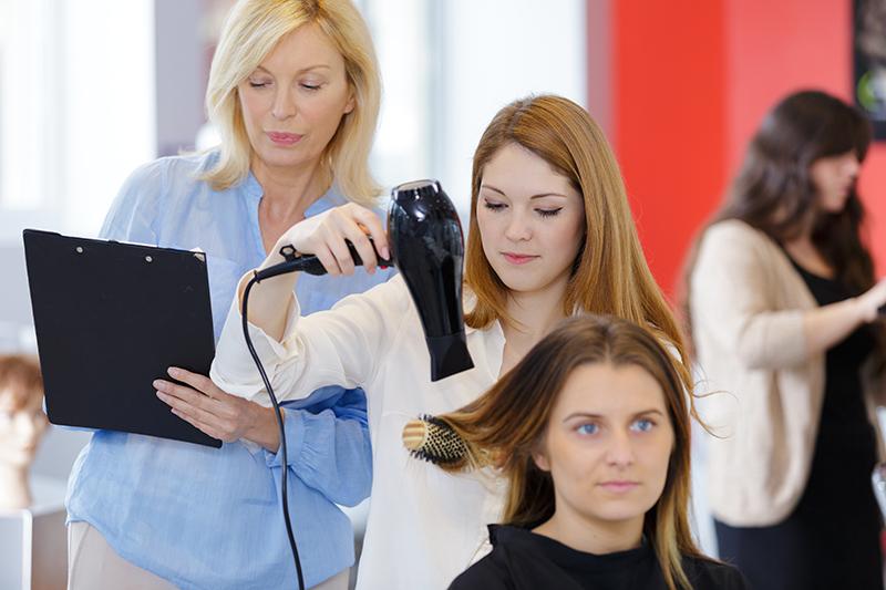pratique-cap-coiffure-nac44